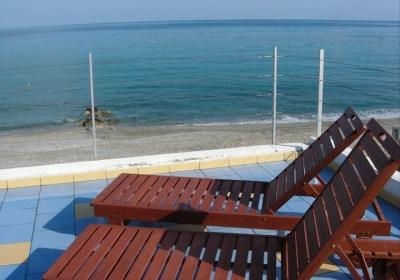 Casa Vacanze Appartamento A Picco Sul Mare delle Eolie